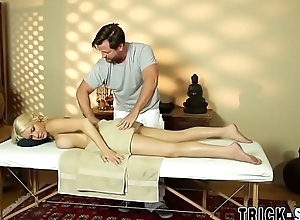 Fooled babe copulates masseur