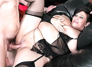 SCAMBISTI MATURI - Italian full-grown BBW squirts while getting cum-hole and botheration banged