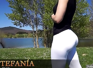 A sure cameltoe wean away from Spanish sexy girl
