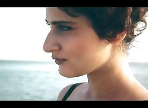 Fatima Sana Shaikh'_s Sexy Photoshoot