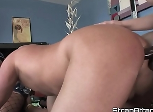 Dominant babes dong fucking prevalent threeway