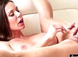 Glamcore stepmom pussylicked plus fucked