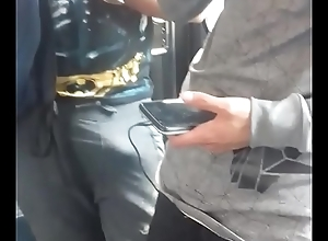 Tocada sobre el pantal&oacute_n en el metro