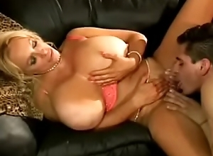 Noise Valley sexy milf