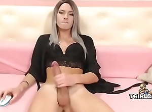 Big cock tranny jerks coupled with cums - tgirlcams.net