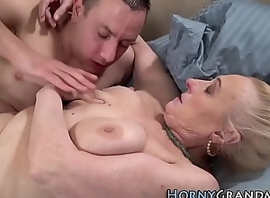 Piping hot gilf receives creampied