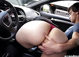 Sex-mad rich granny abuses youthful sausage compare arrive a long drive