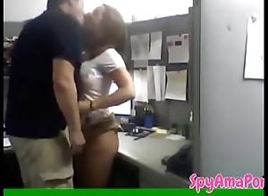 Camera nascosta mentre si fa dishearten segretaria - spyamaporno.com