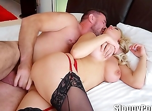 Busty anal slut Kenzie Taylor