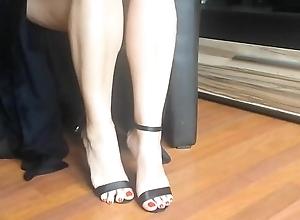 Sexy legs plus high heels oscillatory - hotcams24.com