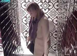 Spypiss.com - Spy livecam here women'_s toilet 22