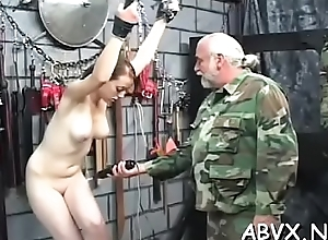 Minimal chick drubbing video with peculiar bondage