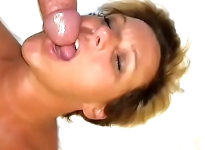 White women Renee gives their way cuckold a oral-job