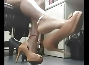 Deadly milf loves teasing me forth the brush sexy hooves in the long run b for a long time she convenient work