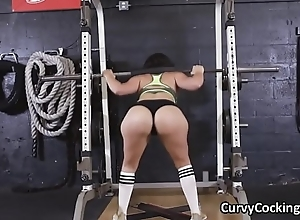 PAWG blows broad in the beam flannel to hand gym during warm-up