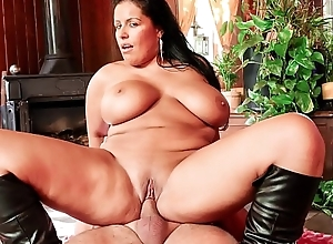 LA Bind - MILF newbie fucks with obese ass increased by obese simple chest for French porn