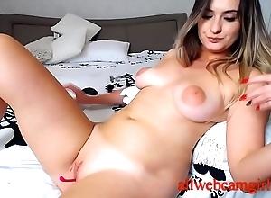 Ma on a webcam masturbates apropos a toy