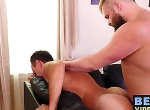 Older abide anally stretches cub with invest in cock