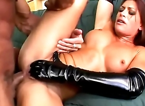 Cadger chokes and assfucks this crazy anal floozy with respect to louring latex Aria Noir