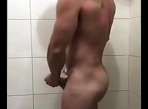 Quer banhar junto?