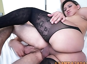 Rapaz gemendo only slightly sexo anal com a travesti Yume Farias