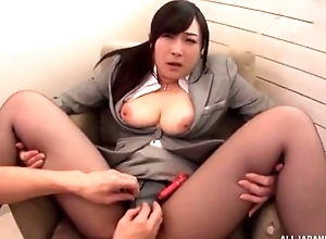 Oriental slut serves hard pecker devoid of pulling lacking her pantyhose