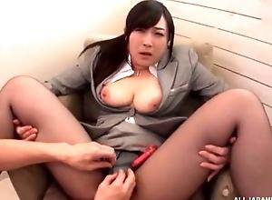 Oriental slut serves hard pecker devoid of pulling lacking her pantyhose