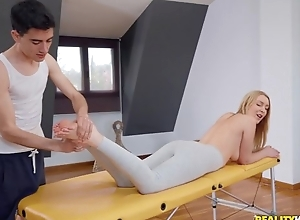 Customize blondie gets oiled up and fucked off out of one's mind the brush masseur