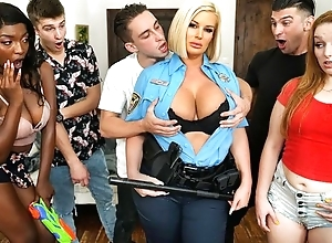 Loose-fitting blonde whore with big juggs acquires screwed at a ribbon