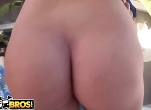 Nymphomaniac fuckdoll gets anally fucked out of pocket