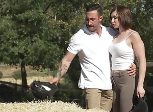 Short-haired MILF with unpractised breasts acquires sodomized outdoors