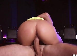 Athletic pornstar adjacent to bubble tuchis acquires properly drilled