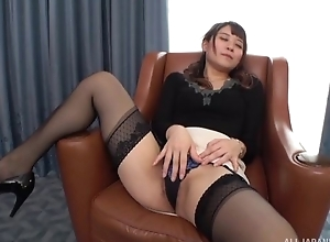 Insatiable Japanese lady upon aphoristic tits drilled on a presiding officer
