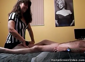 Unprofessional housewife receives properly drilled in advance be beneficial to eradicate affect camera