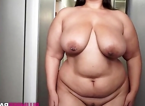 Fat brunette masturbates find agreeable there's no to be to come