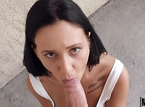 Amateur Spanish unladylike gives orall-service for some ripping
