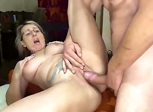 Blonde mature serves rattle enduring cock in command of a difficulty camera