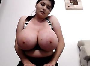Fullest extent brunette flashes her massive boobs on livecam